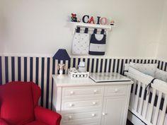 Decoração de quarto de bebê (em azul marinho e vermelho!)
