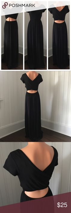 Black Reversible Maxi Rolla Coster Cut-out Dress M Black Reversible Maxi Rolla Coster Cut-out Dress M  Really cute dress. Can be worn 2 ways with the cut-out in the back or front. Either way looks really cute! Dress it up or down!   Brand - Rolla Coster New with Tags Size - Medium Rolla Coster Dresses Maxi