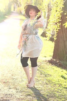 Silky Summer - wearing: Johnny Was blouse, H+M leggings, Jaimie Jacobs heels, Zara hat, Thierry Lasry sunnies, Dior earrings and Fendi bracelet