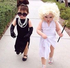 21 Halloween Costumes for Sisters Toddler Halloween Costumes so cute. Halloween Costumes For Sisters, Cute Baby Costumes, Costumes Kids, Kid Halloween, Costume Ideas, Halloween College, Diy Baby Costumes For Girls, Baby Halloween Costumes For Girls, Grandma Halloween Costume
