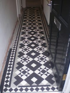 Victorian tiled hallway - Monteith