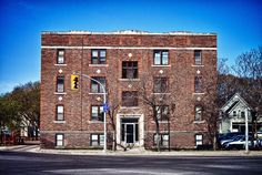 The Gladstone Apartments Winnipeg, MB by AJ Batac, via Flickr