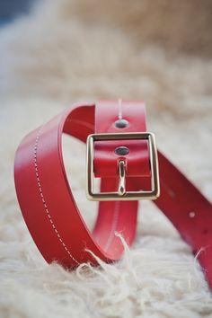 Ceinture en cuir rouge boucle en laiton Cuir Rouge, Laiton, Ceinture,  Boucles, 4f929d9f9f2