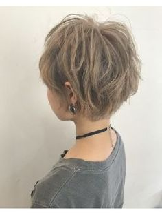 Growing my pixie out. Short Hair Syles, Girl Short Hair, Short Hair Cuts, Curly Hair Styles, Short Hairstyles For Women, Hairstyles Haircuts, Pretty Hairstyles, Hair Inspo, Hair Inspiration