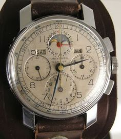 Unusual Rare Wide Lug Universal Geneve Tri-Compax Stainless Chronograph Moon Phs