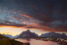 Sunset, Reine, Lofoten, Norway.