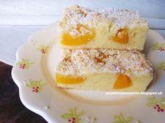 Jednoduchý, rýchly, vďaka kyslej smotane veľmi jemný a vláčny koláč. Ak máte po ruke akékoľvek ovocie, kľudne môžte kombinovať aj v...