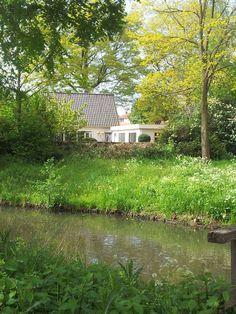 Kom gauw een keer kijken: http://www.funda.nl/koop/leusden/huis-47339354-eikenlaan-3/