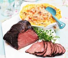 Tjälknul -- a kind of Sweddish roastbeef I Love Food, Good Food, Yummy Food, Cookbook Recipes, Cooking Recipes, Scandinavian Food, Food Fantasy, Swedish Recipes, Food Tasting
