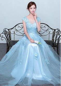 9cd24127f23  131.59  Junoesque Tulle Scoop Neckline A-line Prom Dresses With Lace  Appliques. Robe CoktailBleu ClairCeremonie ...