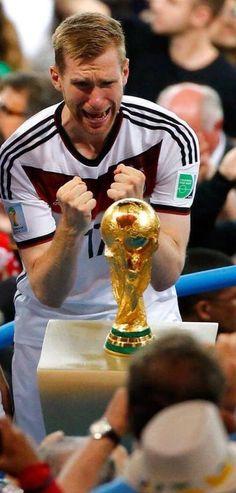 Mertesacker - World Cup '14 Champions (Germany)