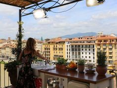 Follow Giada De Laurentiis back to her birthplace for an extended holiday, as she revisits family, friends and the flavors that inspire her life's work. Whether digging into her grandmother's ancient recipe book with Aunt Raffy, exploring the site of her grandfather's former pasta factory, inspiring her to make homemade noodles