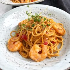 Spaghetti med tigerrejer i cremet sauce - Nelly Vegetarian Recipes, Healthy Recipes, Asian Recipes, Ethnic Recipes, Everyday Food, Winter Food, Tasty Dishes, Healthy Eating, Healthy Food