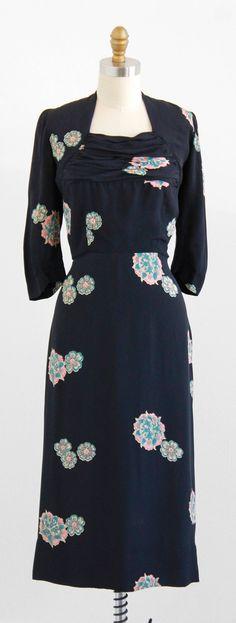 vintage 1940s navy blue + pink art deco floral dress | http://www.rococovintage.com