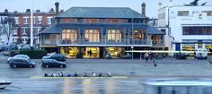 Thames Rowing Club (beautiful walk along the Thames, watching all the clubs practicing)