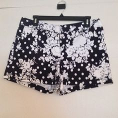 NY & Company floral polka dot shorts Adorable and fun floral polka dot shorts. In great condition. Make me an offer!! New York & Company Shorts Cargos