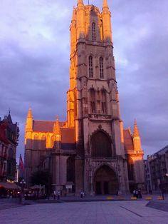 Als het licht perfect samenvalt en Sint Baafs en het Belfort 1 worden