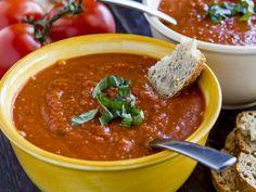 Aurinkoinen tomaatti-basilikakeitto   Rosa Viini & Ruoka Bon Appetit, Ethnic Recipes, Food, Essen, Meals, Yemek, Eten