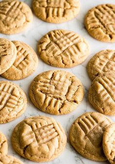 This is BEST peanut butter cookie recipe ever! These classic, soft peanut but. Classic Peanut Butter Cookie Recipe, Homemade Peanut Butter Cookies, Healthy Peanut Butter, Natural Peanut Butter, Cake Mix Recipes, Easy Cookie Recipes, Cookie Ideas, Thing 1, Cake Mix Cookies