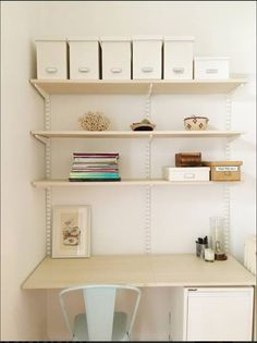 Elfa Shelving/Desk —