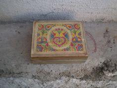 Krabička s ľudovým ornamentom