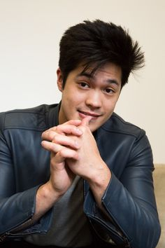 Ross Butler on 13 Reasons Why, the Art of Learning and Asian Heroes: We had the chance to sit down and chat with Ross Butler, who plays Zach Dempsey on Netflix's newest hit show, 13 Reason Why. -- Guys Smile | covetetur.com