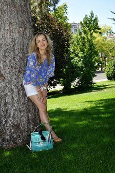 Kimono shirt 1-8-2014 #kissmylook camisa / kimono shirt:   New Look  shorts: Zara cuñas satén/ satin wedges : Bimba & Lola