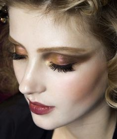 great for fall makeup - gradual shadows of brown to red
