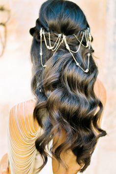 Pretty boho waves: http://www.stylemepretty.com/little-black-book-blog/2016/02/04/modern-boho-meets-british-bridal-inspiration/ | Photography: Ashlee Taylor - http://www.ashleetaylor.com/
