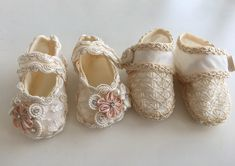 Detalles que enamoran Sneakers, Shoes, Fashion, Christening, Zapatos, Blue Prints, Tennis, Moda, Slippers