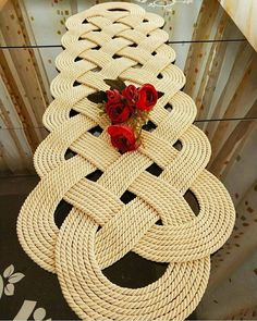 Round ivory cotton doily crochet in shape of spider web with three-dimensional flowers and leaves Or Crochet Table Runner, Table Runner Pattern, Crochet Tablecloth, Diy Crafts Crochet, Diy Crafts To Sell, Crochet Motif, Crochet Patterns, Thread Crochet, Nautical Rugs