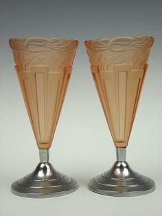 Pair of 1930s Art Deco birds peach vases