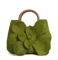 Do You Love the Handbag You Are Carrying Right Now? If not, find out how to choose one you do: http://totalimageconsultants.com/blog/2011/02/18/handbagtips/ #fashion #styletips #makeover