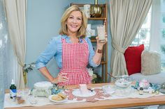 @kymdouglas incorporated cookies into your #beauty routine – from morning to night! Christmas Gingerbread, Christmas Cookies, Christmas Gifts, Smoothie Recipes, Smoothies, Hallmark Homes, Family Meals, Family Recipes, Vanilla Essential Oil