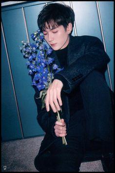 Nuest Kpop, Aron Nu Est, Im Waiting For You, Fandom, Pledis Entertainment, Photo Book, Twitter Twitter, Instagram, Actors
