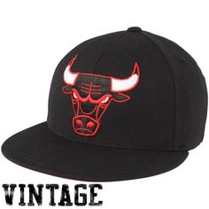 Chicago Bulls Mitchell & Ness Black Xl Vintage Logo Fitted Hat Mitchell & Ness. $26.99