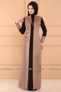 Yelek Görünümlü Süet Elbise YGS6157 Vizon Abaya Fashion, Modest Fashion, Women's Fashion Dresses, Modest Dresses, Modest Outfits, Chic Outfits, Hijab Evening Dress, Hijab Dress, Hijabi Gowns