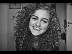Van Steil Naar Natuurlijk Uitziende Krullen Met Rietjes | Curly Hair Talk - Curly Hair Talk