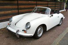 Erwin Komenda design. La Porsche 356 cabriolet fut la première voiture de la marque allemande Porsche.    Conçue par Ferry Porsche sur les bases mécaniques de la Volkswagen Coccinelle (par souci d'économie) et dessinée par Erwin Komenda, elle sera produite en série de 1948 à 1965.