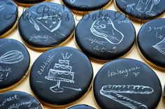 how to: chalkboard cookies ::: Ali Bee's Bake Shop: Tutorial: Hand Painting - The Basics.These are AWESOME! Galletas Cookies, Iced Cookies, Cute Cookies, Royal Icing Cookies, Cupcake Cookies, Sugar Cookies, Cookies Et Biscuits, Iced Biscuits, Cookie Frosting