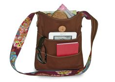 Travel Tote with Two-Tier Wraparound Pockets | Sew4Home