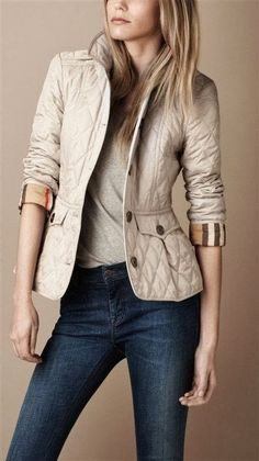 Creamy color blazer with shirt amd jeans