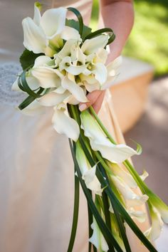 Style Me Pretty | Gallery | Picture | #22901 modern cascade bouquets are making a huge comeback!!!
