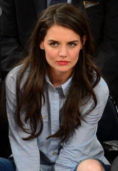 Katie Holmes avec les cheveux lisses