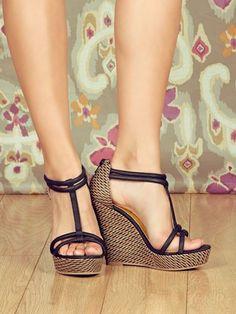 Seychelles Footwear GASP wedges 42 |2013 Fashion High Heels|