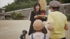 Mainichi Shimbun puso en línea un nuevo trailer de la película en Live Action de Kiki (Majo no Takkyūbin), este a diferencia del anterior, s...
