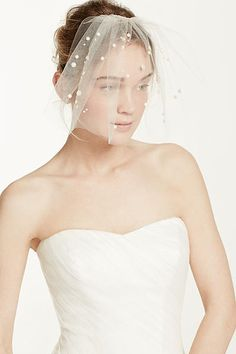 Mini Tulle Veil with Pearl Beading VTH212