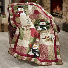 Cute snowman quilt for winter snuggling. Not sure where the pin goes but the quilt is adorable