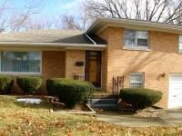 Contact Melissa Dowson Vorreyer at 217-652-0875 - http://www.melissaslistings.com - Awesome location in this well built 3 bed, 2 full bath home on quiet street on Springfield's west side backing to tree line. Offering LR w gas log FP, dining room, kitchen, 3 bedrooms, hdwd flooring, 2.5 baths, large utility room, 4th room w attached full bath in LL could be BR, large unfin basement w laminate wood floors offers great storage/rec area.