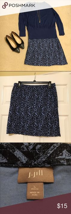 """J Jill 14P Cotton Skirt with Stretch Versatile, comfortable skirt can be worn a variety of ways. Elastic waist but does not stretch very much to maintain straight skirt look. Petite size Large measures 18"""" waist and 20"""" long. Print is navy and light blue. Worn only twice. No stains or tears. Original print was  a slightly faded look. J Jill Skirts Mini"""